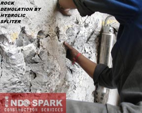 Rock Demolation by Hydraulic Splitter